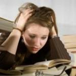 بررسی رابطه بین اضطراب امتحان و عملكرد تحصیلی در دانشآموزان و دانشجویان