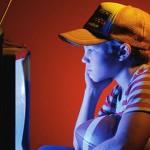 بررسی نقش رسانههای جمعی ( با تاکید بر تلویزیون ) در الگوپذیری و رفتار کودکان